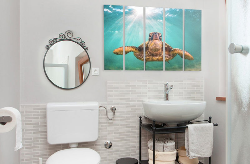bathroom-canvas-art
